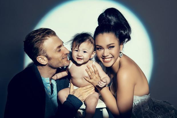 Gia đình hạnh phúc của Phương Vy.