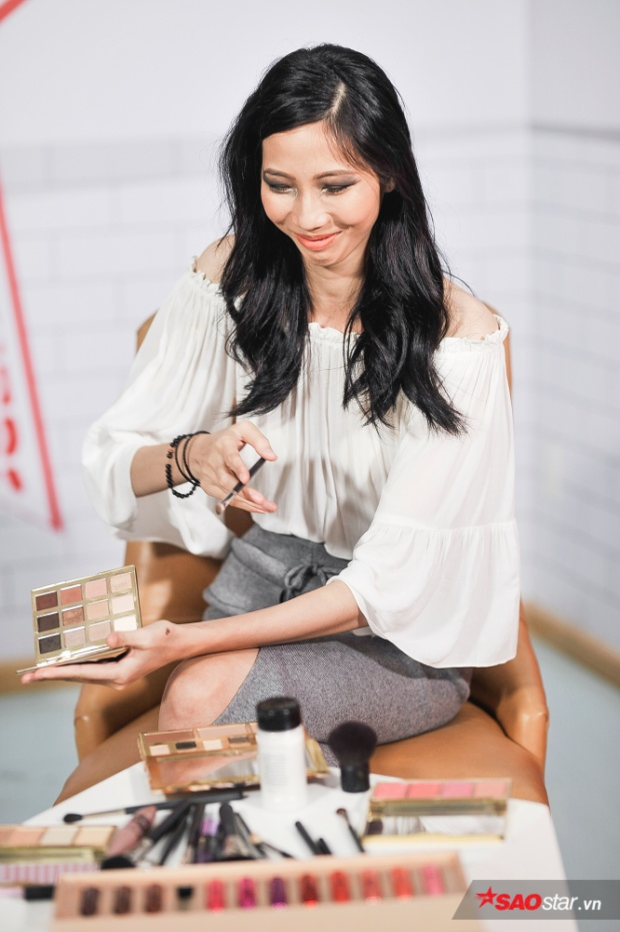 Tuy không học make-up bài bản, nhưng chân dài vẫn rất thích thú với yêu cầu được đặt ra.