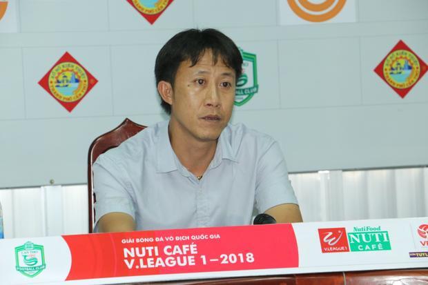 HLV Nguyễn Thành Công cao tay hơn so với đồng nghiệp bên phía Cần Thơ.