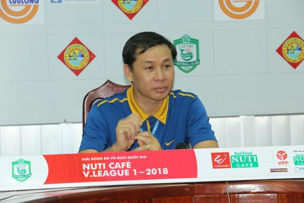 HLV Nguyễn Thanh Danh tin tưởng có thể giúp Cần Thơ trụ hạng.