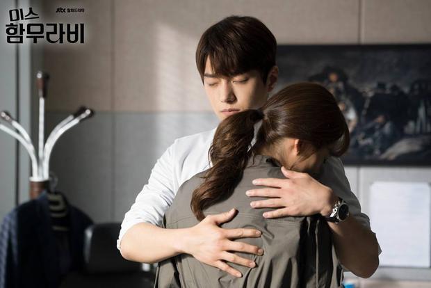 Trước tin đồn hẹn hò, L (Infinite) lo lắng khi Go Ara nhận 2000 anti-fan vì ôm thành viên DBSK