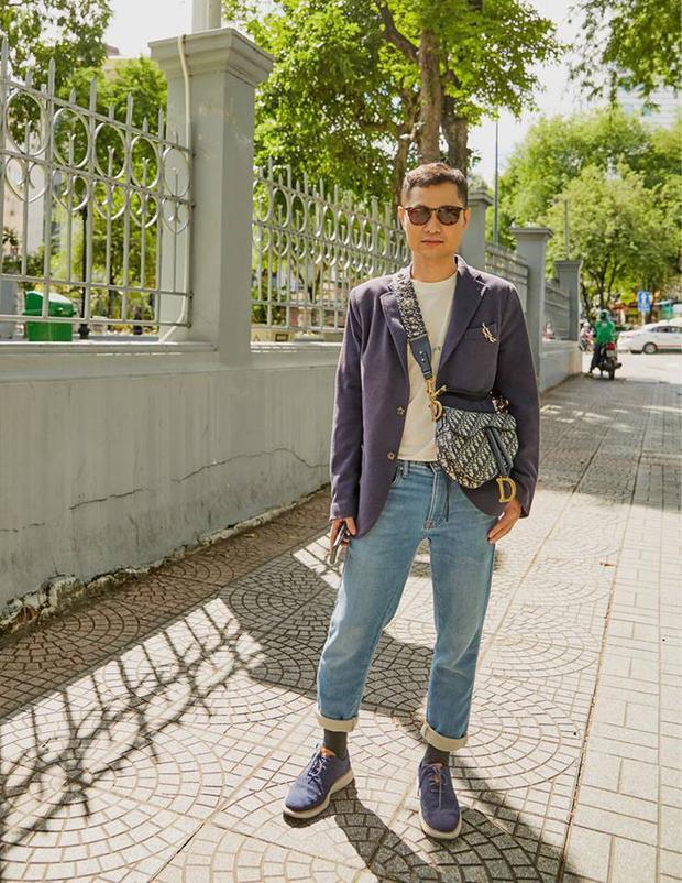 Và giám đốc sáng tạo Dzung Yoko đều yêu thích chiếc túi với logo cổ điển từ 2 thập niên trướ của Dior.