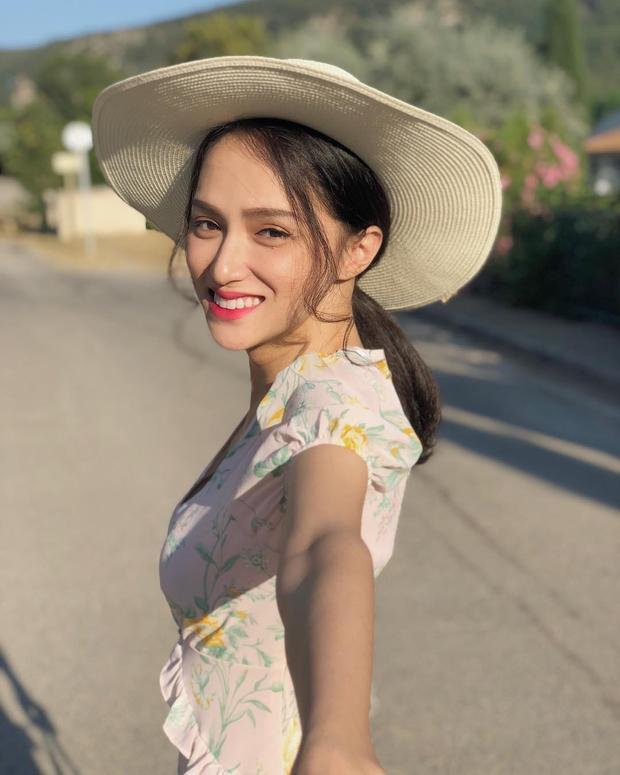 Cận cảnh vẻ xinh đẹp, rạng rỡ của hoa hậu Hương Giang.