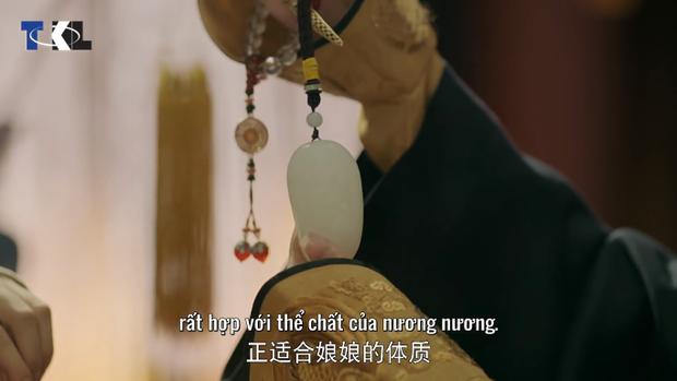 Chung Túy cung tặng Hoàng hậu một miếng ngọc vô cùng đặc biệt: mang bên mình ngày đông sẽ giữ ấm!
