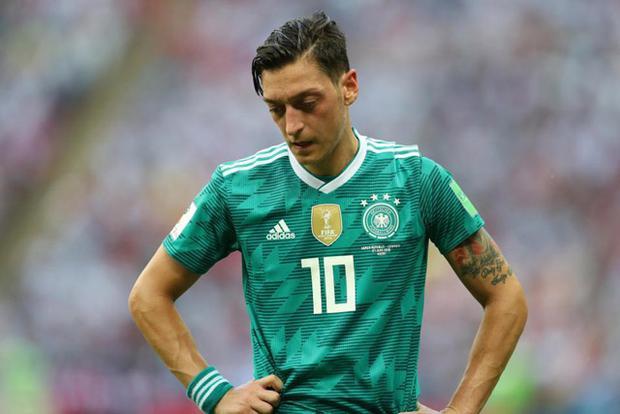 Ozil chính thức chia tay ĐT Đức.