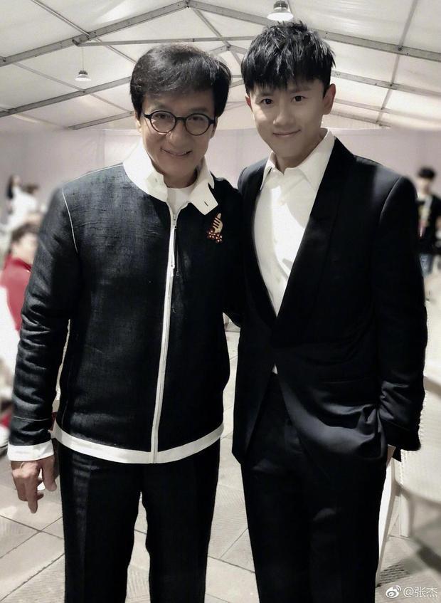 Thành Long và diễn viên trẻ Trương Kiệt