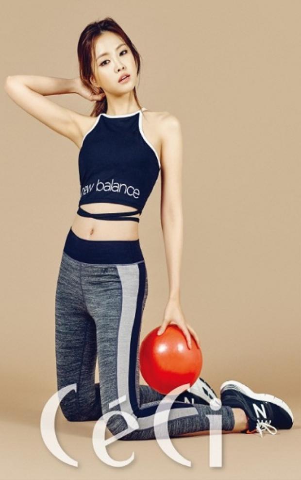 Không chỉ Adidas mà những hãng legging khác cũng gọi mời thành viên Apink về đại diện nhãn hàng liên tục.