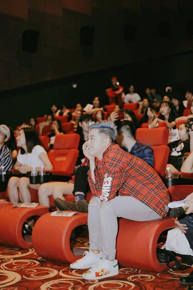 Khoảnh khắc xúc động của Thanh Duy trong buổi Fan meeting.
