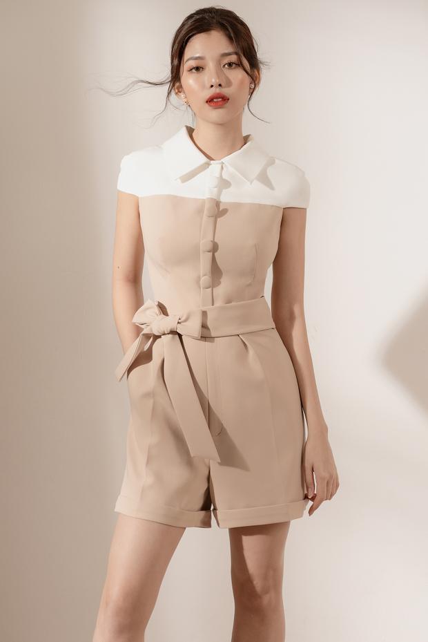 Jumpsuit ngắn với gam màu kem và màu trắng phù hợp cho các nàng công sở