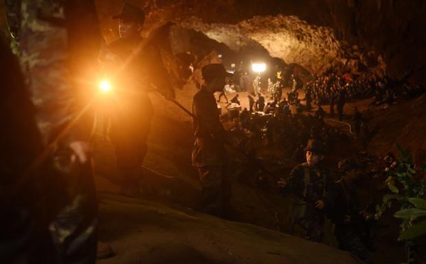 Wi-Fi tại hang Tham Luang phục vụ công tác cứu hộ đã phục vụ trên dưới 300 người.
