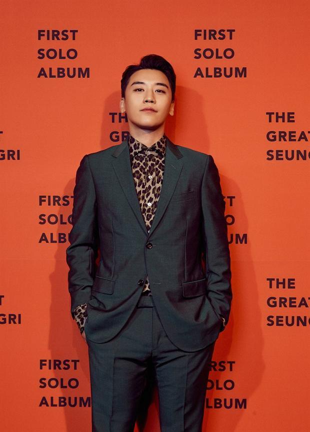 Được vợ vào quân ngũ thăm mỗi tuần, ai sướng được như Taeyang