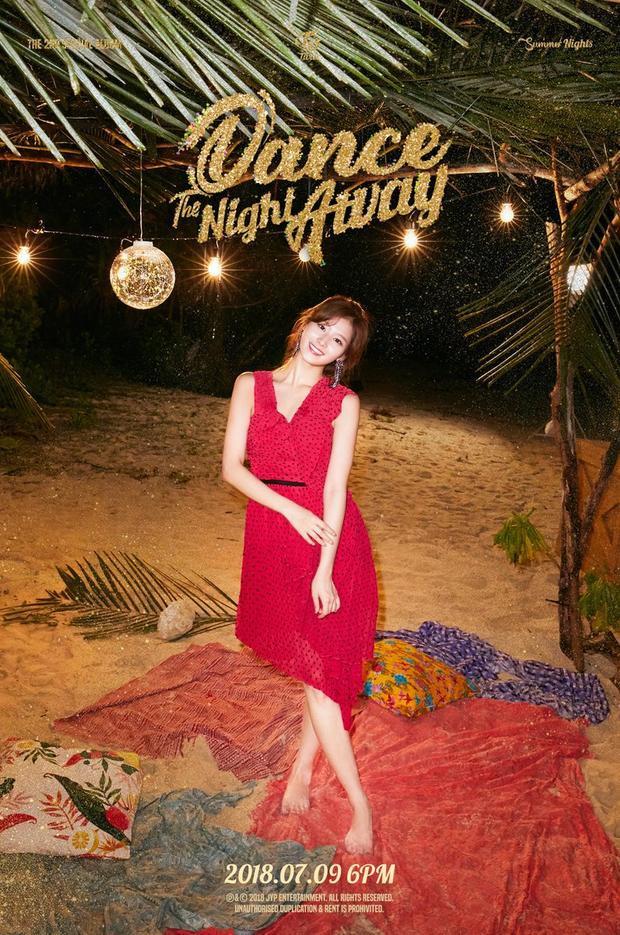 10+ gợi ý trang phục của TWICE cho bạn một mùa hè 'Dance the night away'