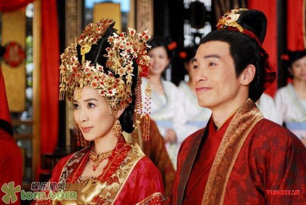 Trong phim Xa Thi Mạn đóng cặp với bạn diễn Trần Hào khá ăn ý tạo thành cặp đôi oan gia mang nhiều tiếng cười cho khán giả.