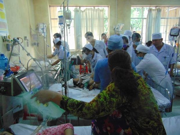 Đã có một nạn nhân tử vong, 10 người đang tiếp tục được điều trị. Ảnh: CAND