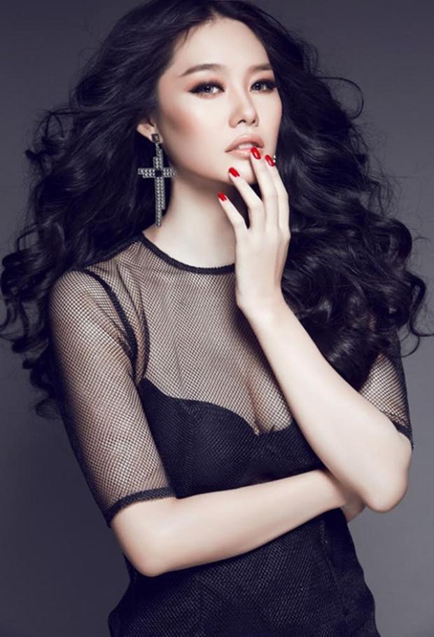 Á hậu Phụ nữ Việt Nam qua ảnh 2012 cho rằng phim Gạo nếp gạo tẻ hay không tưởng.