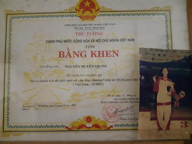 Bằng khen của Thủ tướng Chính phủ cho vận động viên Nguyễn Huyền Trang.