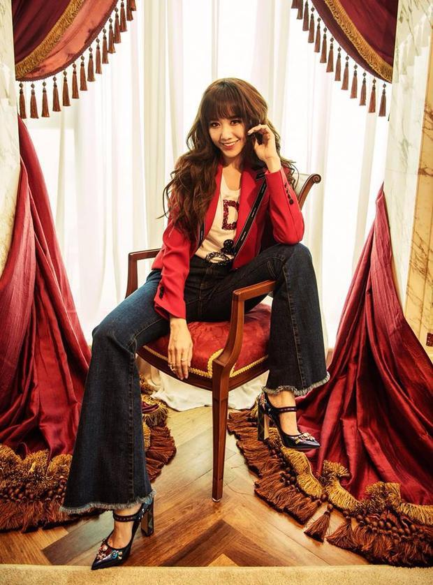 Top những chiếc đầm tuyệt đẹp của Hari Won kể cả khi eo thon lẫn mang bầu