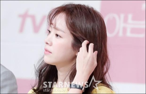 Ở tuổi 36, Han Ji Min vẫn xinh đẹp rạng ngời khiến nhiều người phải ngưỡng mộ.