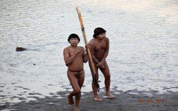 Những bộ lạc sống sâu trong rừng Amazon không có bất kỳ liên hệ nào với xã hội hiện đại. Ảnh: Odditycentral