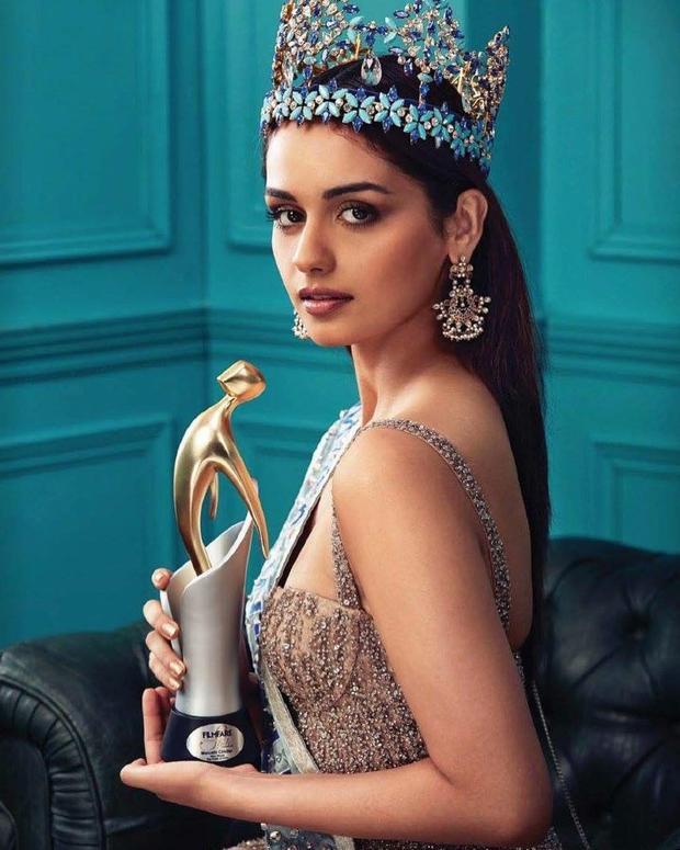 Đó là một nét đẹp cổ điển, hút hồn đặc trưng của người phụ nữ Ấn Độ.Người đẹp sinh năm 1997 từng là một người mẫu nổi tiếng tại quê nhà. Manushi chính thức trở thành người đẹp Ấn Độ thứ 6 chạm tay tới vương miện của đấu trường sắc đẹplớn nhất hành tinh.
