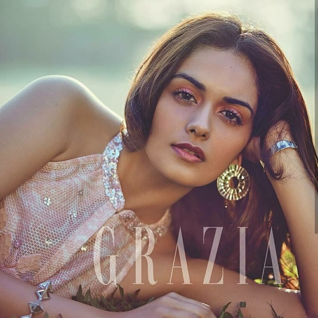 Manushi Chhillar - Miss World 2017 hiện đang là gương mặt được giới sắc đẹp tiên đoán sẽ là người đem về danh hiệu Miss Grand Slam năm nay cho Ấn Độ.Hoa hậu Thế giới sở hữu nước da nâu, mắt to và sống mũi cao.