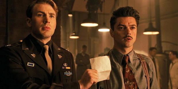 Dominic Cooper trong vai Howard Stark, tức cha của Iron Man sau này.