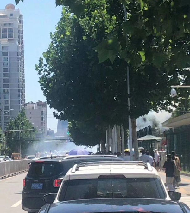 Khung cảnh phía trước đại sứ quán Mỹ ở Bắc Kinh.