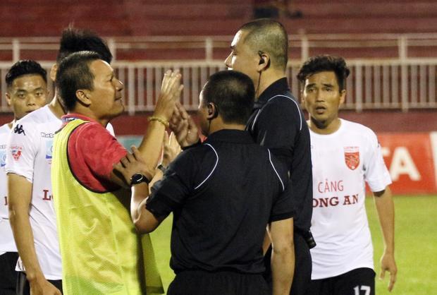 Trọng tài Nguyễn Trọng Thư từng dính nhiều tai tiếng trong quá khứ.