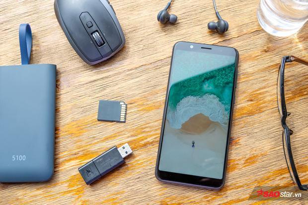 Màn hình đẹp là một lợi thế của Asus ZenFone Max Pro M1 trước nhiều đối thủ khác trong phân khúc dưới 5 triệu hiện nay
