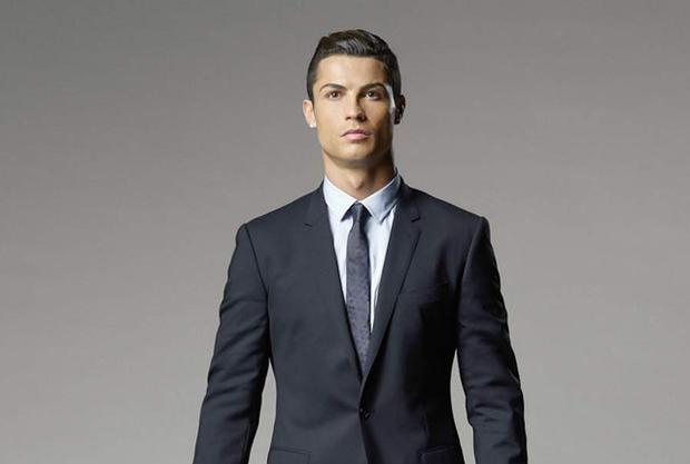 Ronaldo nhận án tù treo 2 năm.