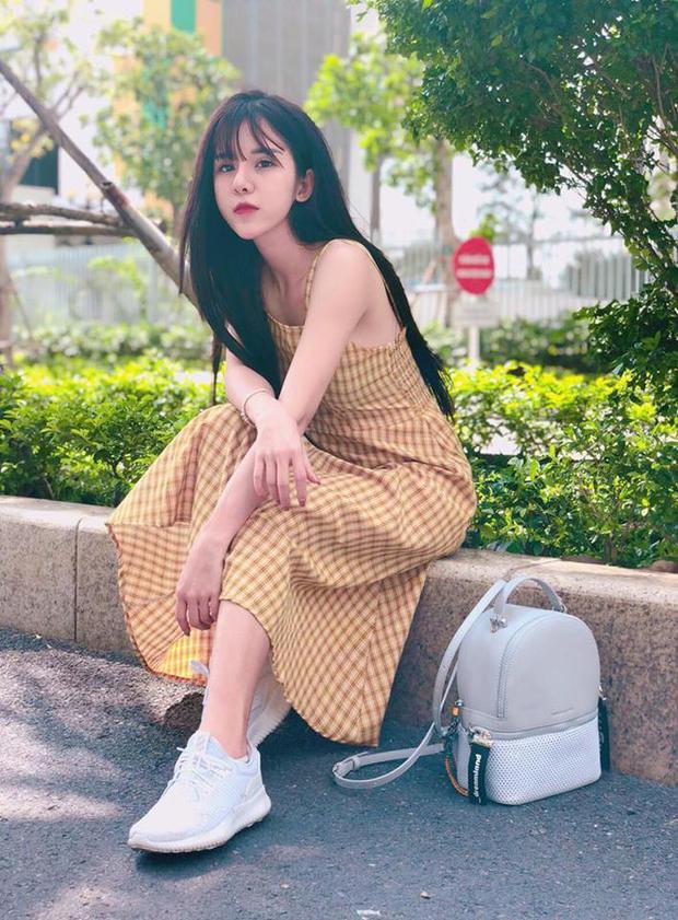 Hiện, Linh đang theo học khoa Phát thanh - Truyền hình, Học viện báo chí & Tuyên truyền.