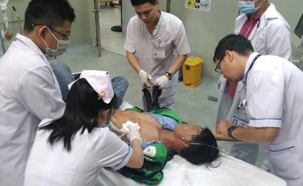 Bệnh nhân nhập viện trong tình trạng nguy kịch. Ảnh: Thanh Niên.