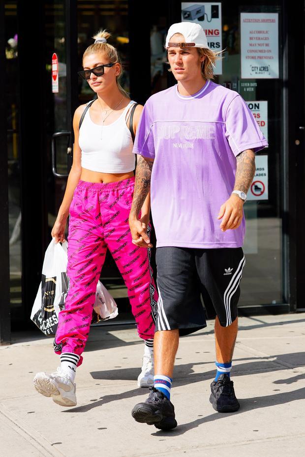 Cặp đôi bị bắt gặp gần đây, tay trong tay vô cùng hạnh phúc trên đường phố New York.
