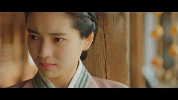 Mr. Sunshine: Choi Yu Jin chấp nhận bị thương vì Go Ae Sin, mối tình tay tư chính thức bắt đầu