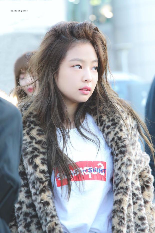 Để mặt mộc cũng xinh hết phần người khác, Jennie Kim quả đúng là nữ thần sắc đẹp thế hệ mới của KPop.