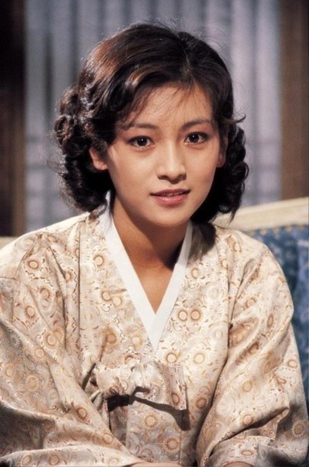 Thời trẻ đẹp của Hwang Shin Hye.