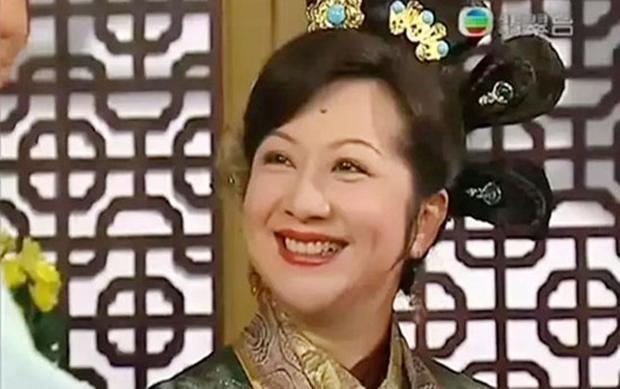 Nữ diễn viên gạo cội Tiết Gia Yến vào vai Du Niệm Từ, bà chủ Kim gia.