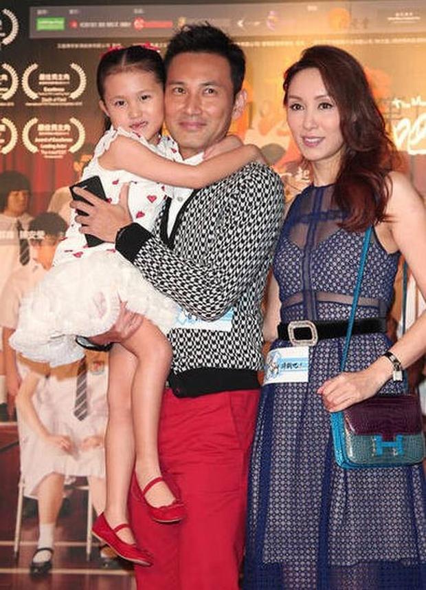 Gia đình ba người hạnh phúc của Quách Khả Doanh và Lâm Văn Long