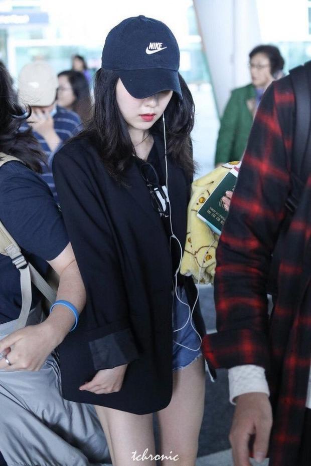 Idol Kpop và những lần bị fan cuồng của nghệ sĩ khác hành xử thô bạo