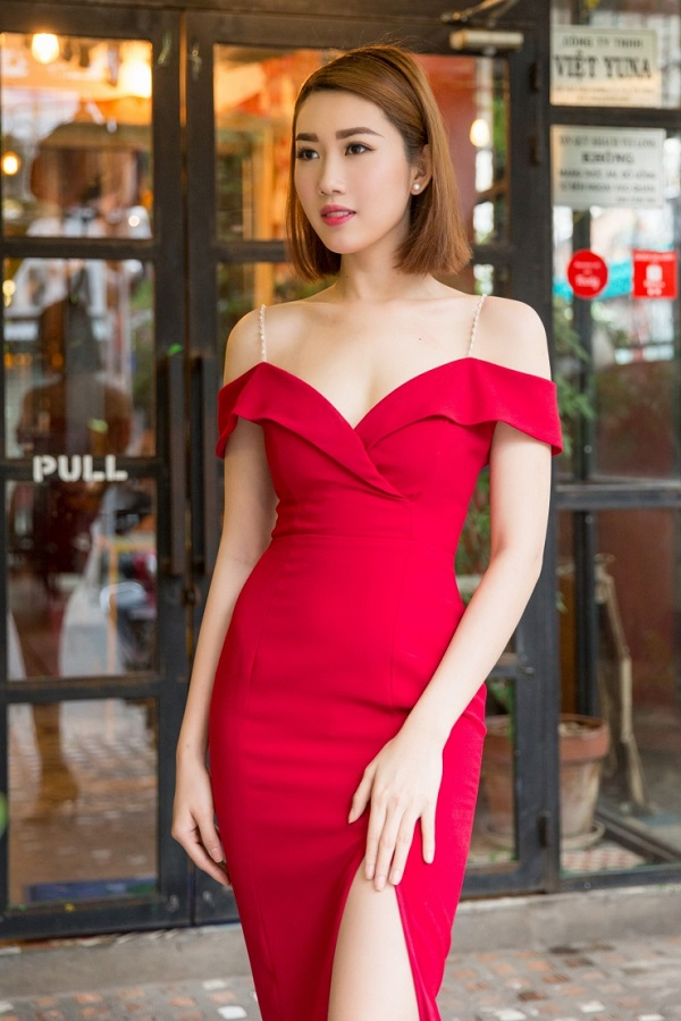 Không chỉ sở hữu ngoại hình xinh đẹp, mà Á khôi còn có gu thẩm mỹ tinh tế trong việc lựa chọn và phối hợp quần áo, phụ kiện…