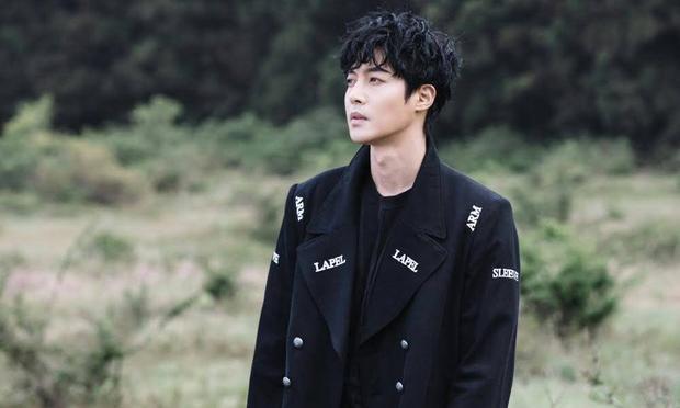 … sau scandal chấn độngKim Hyun Joong hành hung bạn gái, khiến người yêu có thai rồi không thừa nhận, nhập ngũ để tránh né nhưng ngay sau khi ra ngoài lại vấp phải ồn ào say rượu lái xe.