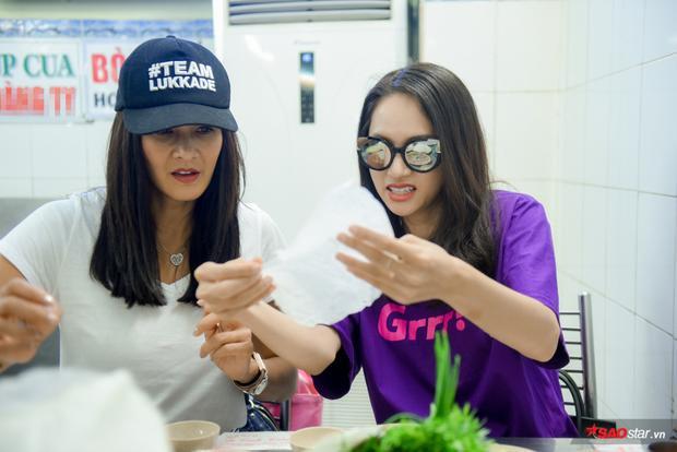 [ĐỘC QUYỀN] Vừa đến Việt Nam, chị Đại The Face Thái Lukkade đã được Hương Giang chiêu đãi đặc sản bún bò, bánh cuốn