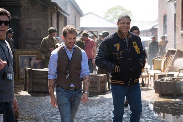 Zack Snyder chỉ đạo một cảnh phim bị cắt của Justice League