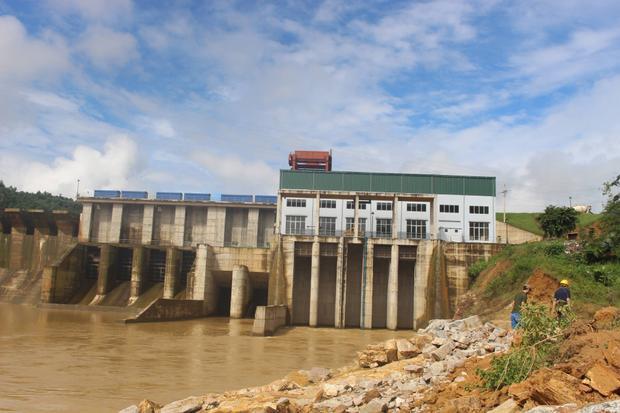 Người dân cho rằng nguyên nhân do nhà máy thủy điện Châu Thắng