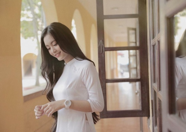 Nhan sắc nữ du học sinh Việt tại Pháp sở hữu nụ cười tỏa nắng, nhiều lần khiến dân mạng trụy tim vì quá xinh đẹp