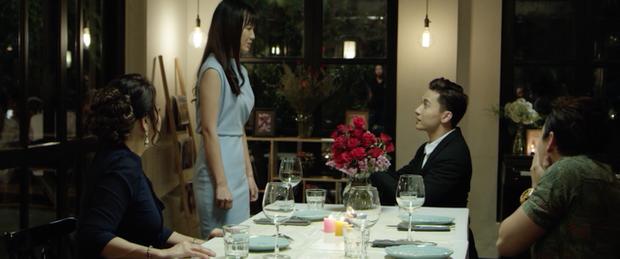 Đáng chú ý trong MV, nhà sản xuất nhá hàng người xem một phân cảnh khá đặc biệt: Long cầu hôn Linh nhưng vì một lý do nào đó cô lại từ chối với tâm trạng vô cùng đau khổ. Jang Mi tiết lộ đây chính là cảnh quay đáng nhớ nhất của cô sau cả quá trình đóng phim.