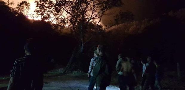 Đám cháy xuất hiện trong đêm