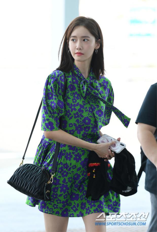 Park Min Young, Jung Hae In và Yoona (SNSD) tỏa sáng hết phần người khác tại sân bay cùng một ngày