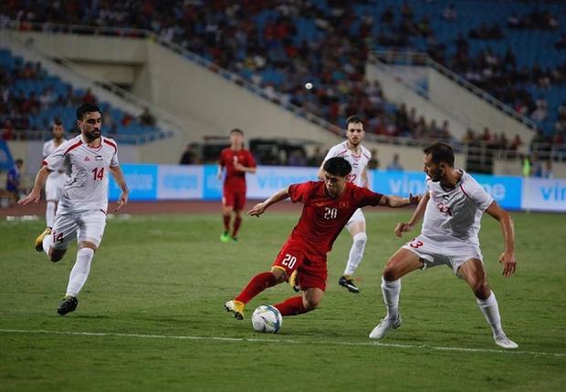 U23 Việt Nam gặp khó khăn ngay những phút đầu trận đấu.