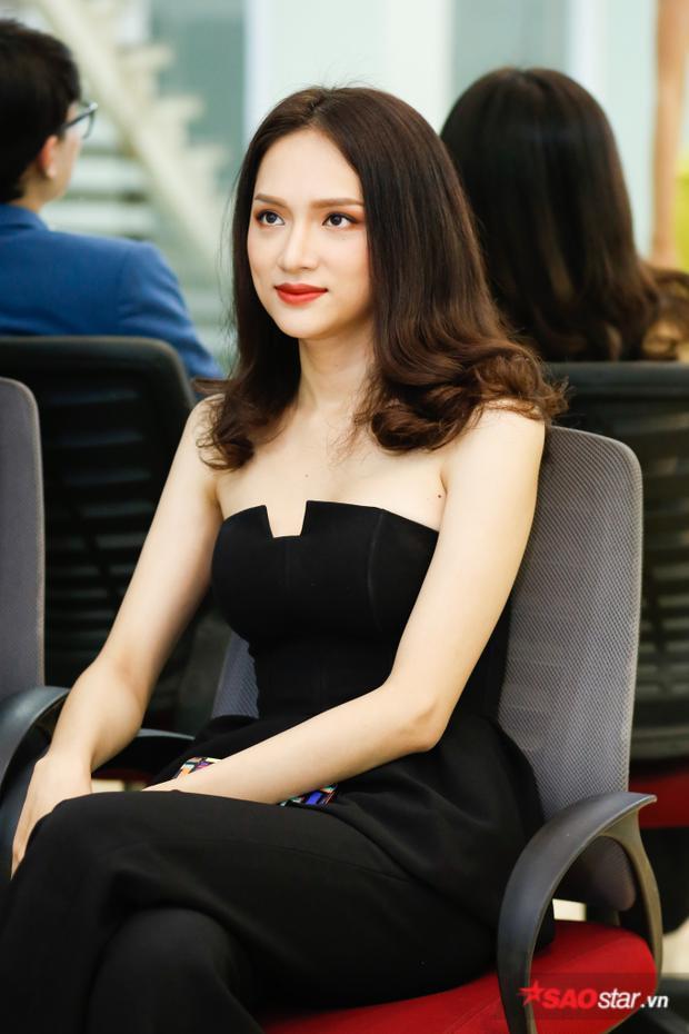 Hương Giang xuất hiện rạng ngời trong buổi huấn luyện gần nhất của Siêu mẫu Việt Nam 2018.